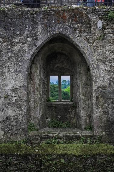 castle -window 0936 sm