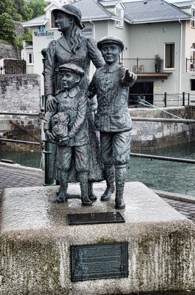 Anne Moore statue