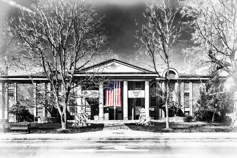 Whitley County Courthouse Flag 8292sm